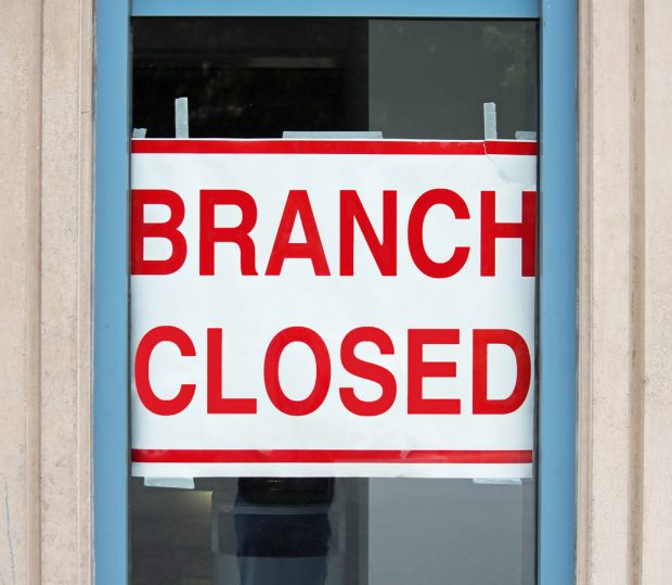 Sign in window stating bank branch closed.