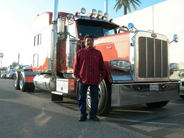 Mid Cities Credit Union Member Julio Contreras with his new truck.